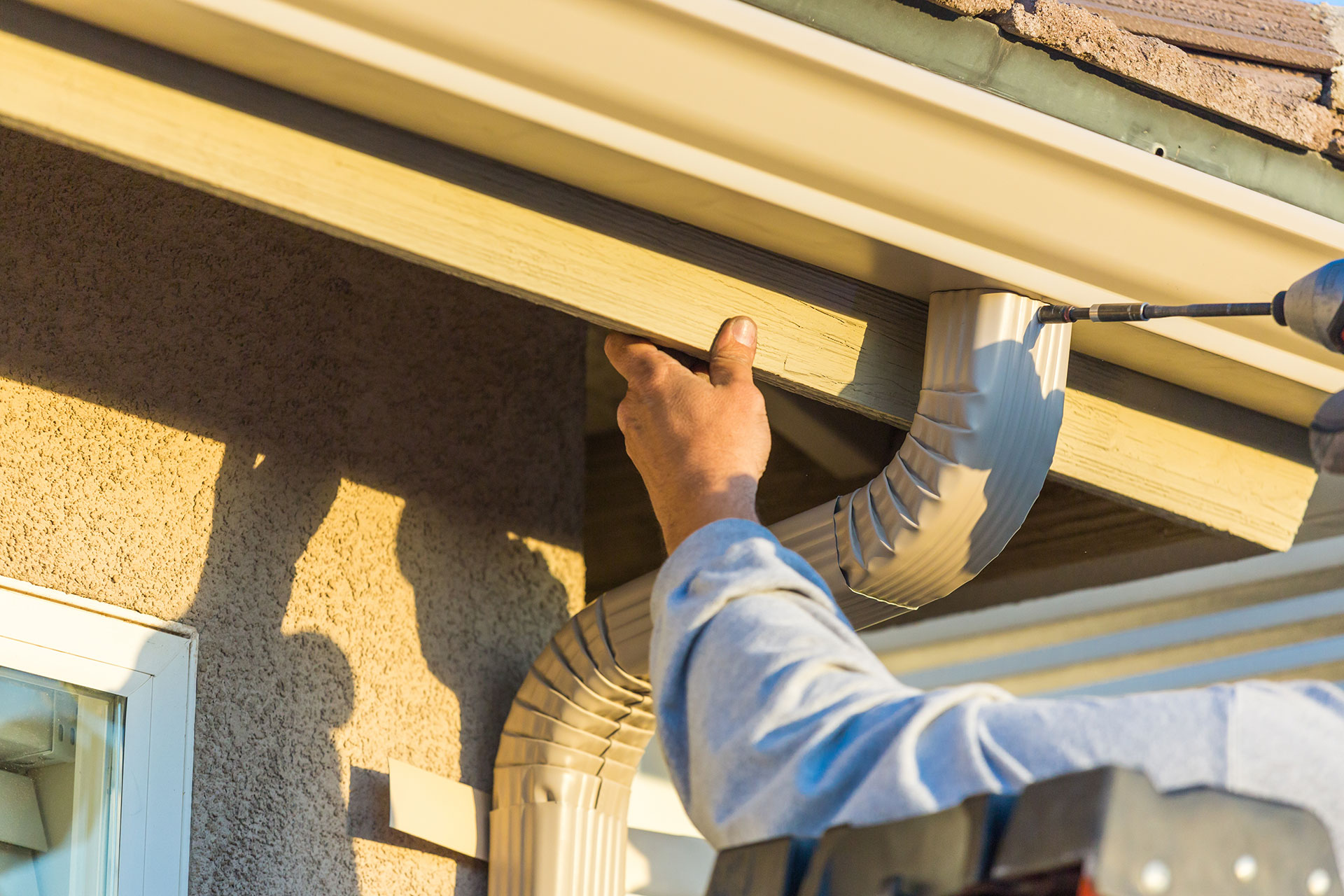 A 1 Seamless Gutters And Exteriors Gutter Rapair And Replacement